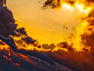 der Flug über die Wolkenberge